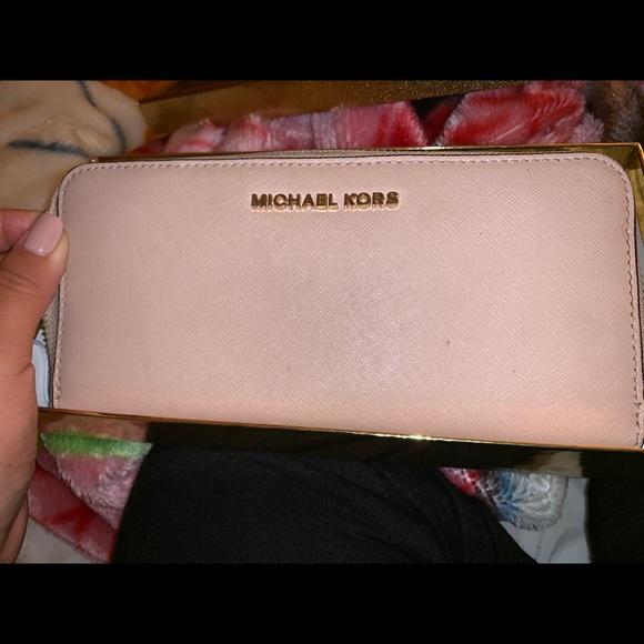 Michael Kors Handbags - Used Michael Kors wallet